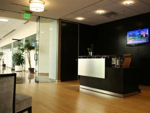 Hudson-Clean-Energy-Partners,-Lobby,-Teaneck,-NJ