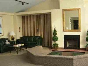 The-Mountain-Club,-Clubhouse,-Morris-Plains,-NJ
